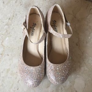 Shoes - Stylux champagne gold glitter glam sz 7 wedges.